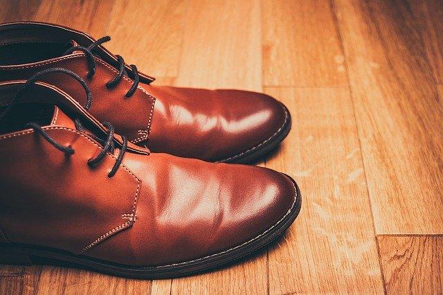Quelles chaussures homme porter avec chaque style de pantalon